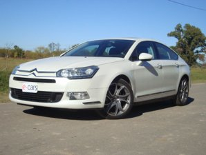 VIDEO: test drive del Citroën C5 1.6 Exclusive