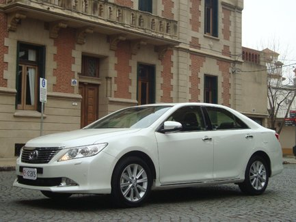 TEST DRIVE: Toyota Camry V6 3.5 AT