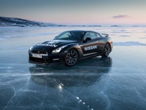 Rcord de velocidad sobre hielo del Nissan GT-R