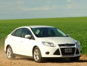 Test: Ford Focus S Sedán