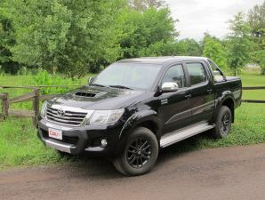 Toyota Hilux Limited: o
