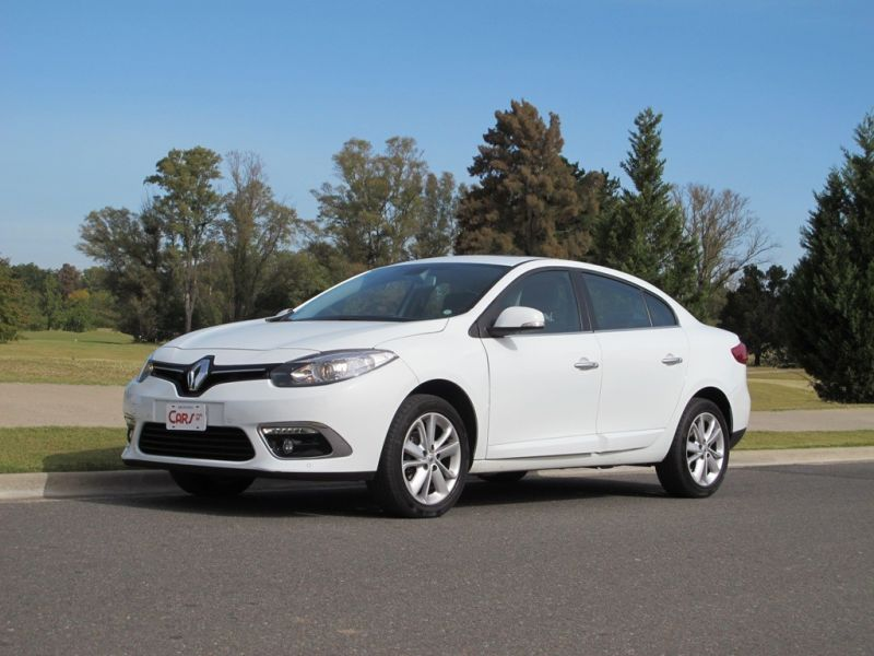 Video test: Renault  Fluence Privilege 2.0 CVT
