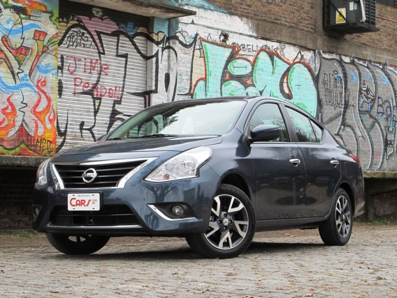 Test Drive: Nissan Versa Exclusive AT