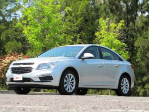 TEST DRIVE: Chevrolet Cruze Sedan LTZ AT
