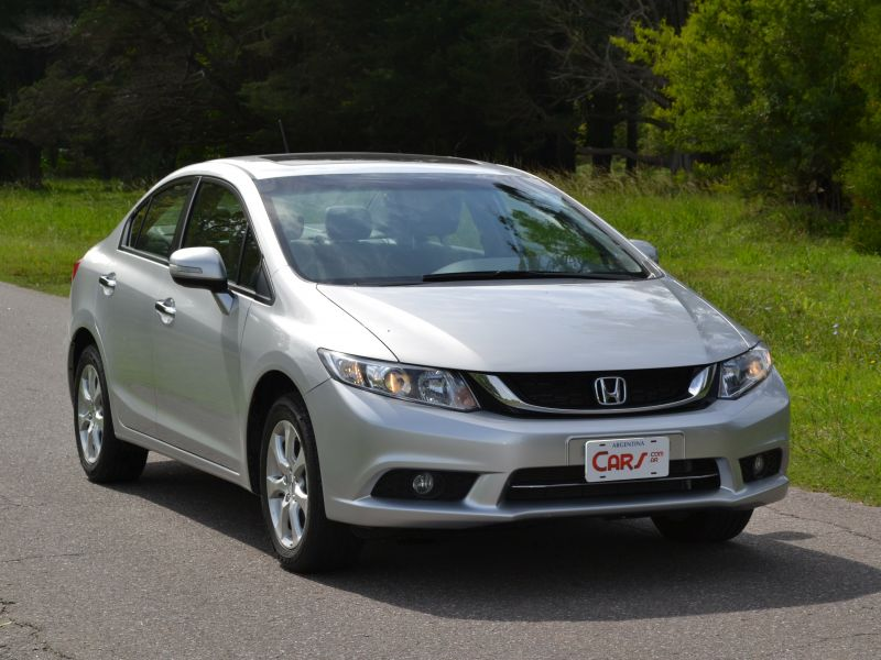 TEST: Honda Civic EXS AT