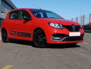 Renault Sandero R.S: video-contacto