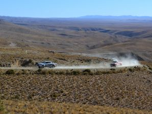 Toyota Hilux: desaf�o off road  Traves�a Hilux por