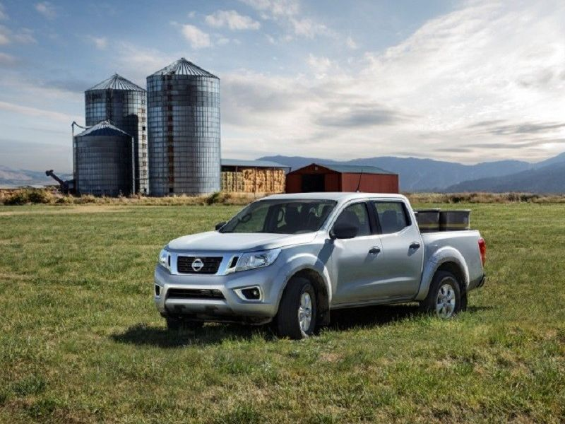 Nissan NP300 Frontier: SE 4x2 y XE 4x4
