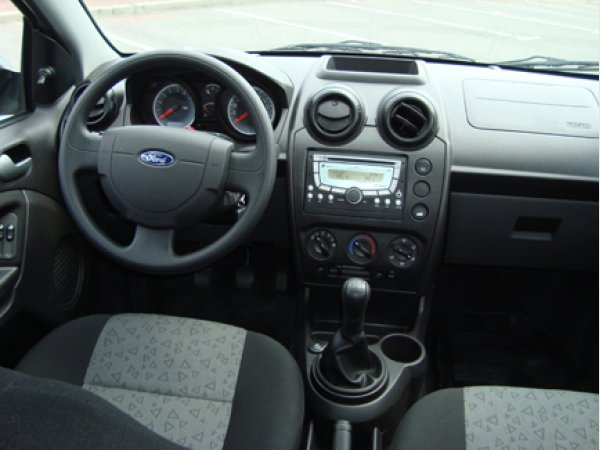 test drive ford fiesta max  cars